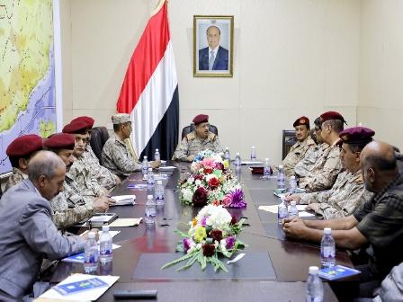 وزير الدفاع يرحب بإنضمام قيادات عسكرية قادمة من عدن