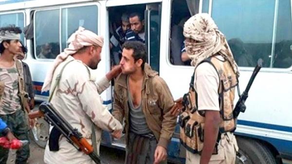 صفقة ناجحة لتبادل عدد من الأسرى بين مقاومة البيضاء والحوثيين.. زعيم قبلي يكشف تفاصيلها